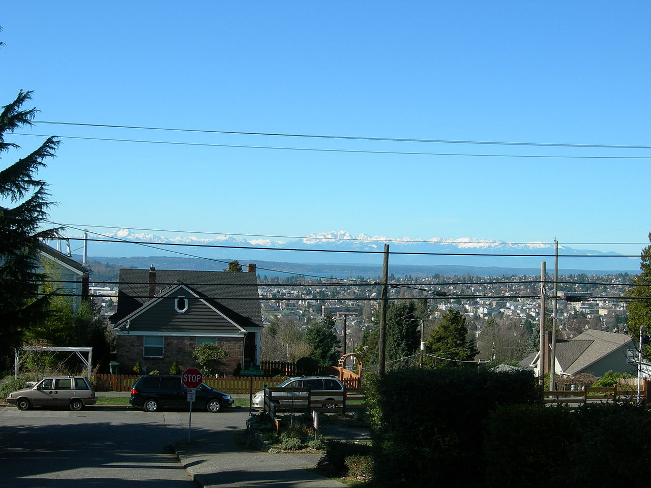 While Phinney Ridge Seattle has been known as a haven for upwardly mobile power singles, the area is becoming increasingly known for its family-friendly appeal.