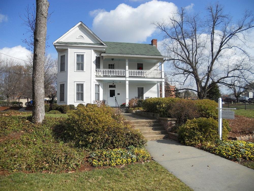 Sandy Springs Real Estate: Atlanta Suburb Guide