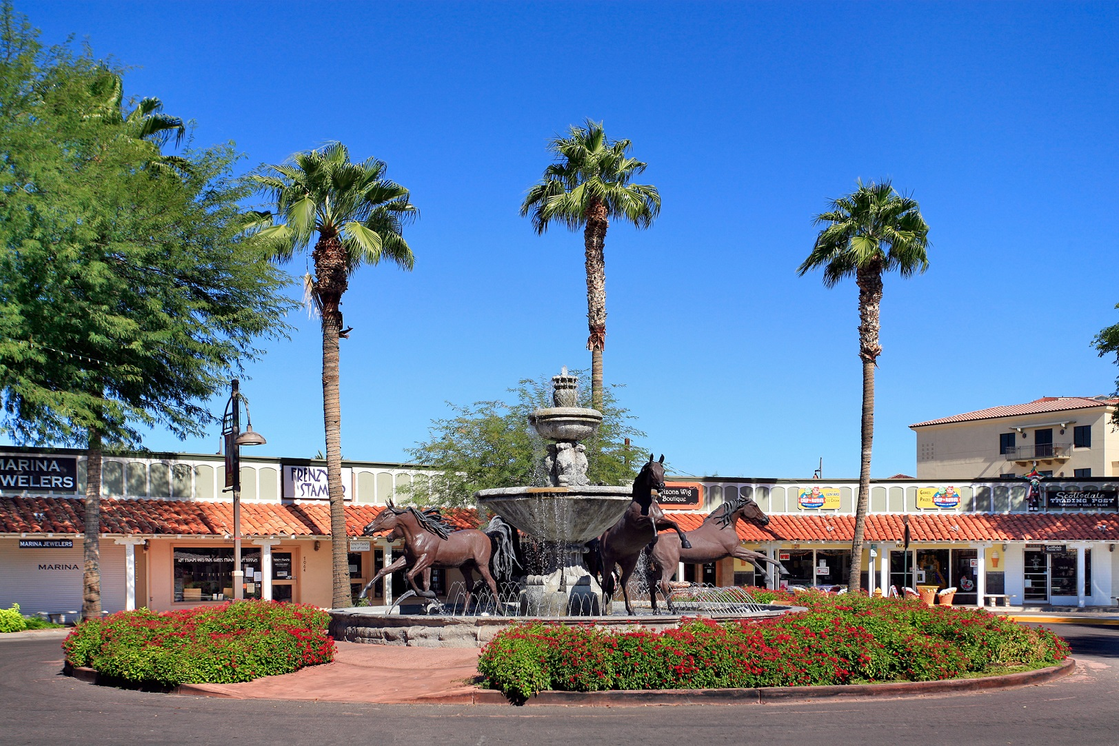 Are you looking to move to Scottsdale? We've found the best suburbs for common moving needs. Which one is right for you?