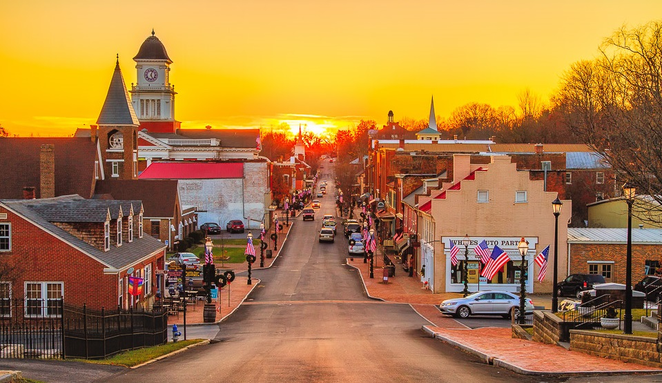 Check out these five smaller cities in Tennessee that are a great place to settle down in.