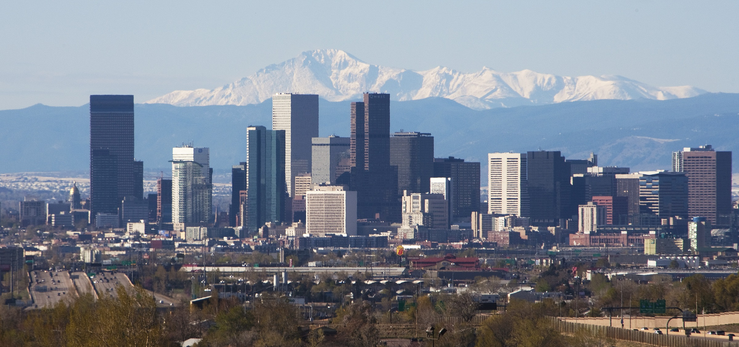 Denver is home to a variety of low-crime neighborhoods with ample nightlife that is ideal for both children and recently divorced people.