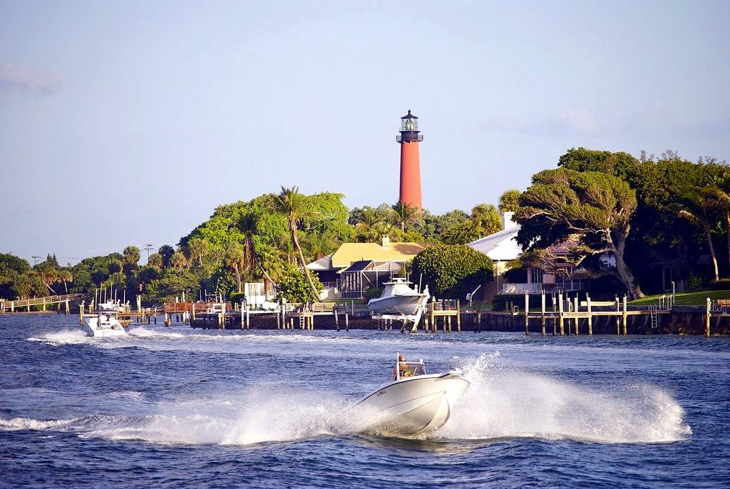 Best Neighboorhoods In Palm Beach To Buy