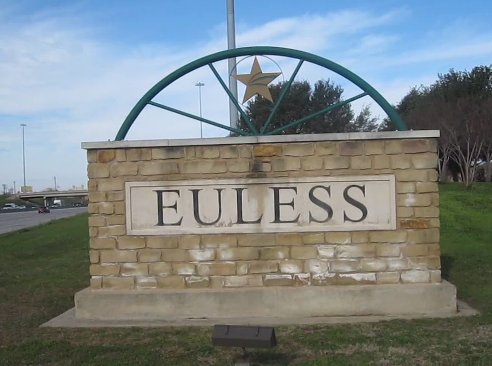Euless TX: Small Hometown Feel and Highly Educated