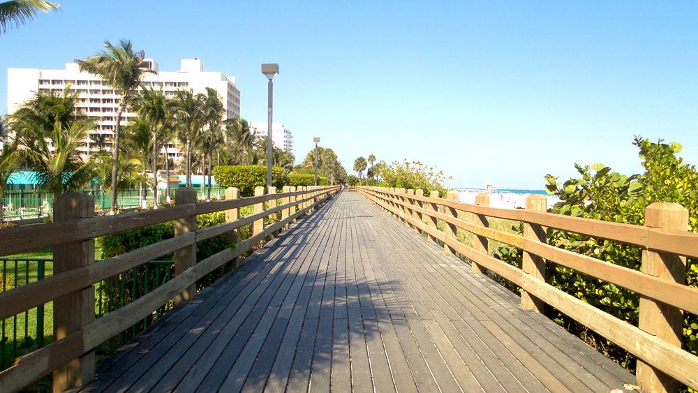 South Beach FL: Sun & Vibrant Nightlife