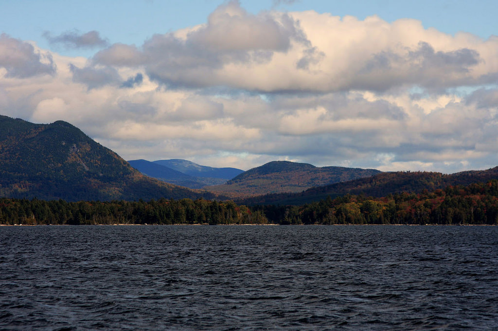 Best Lakes in Maine: Where Should You Buy Your Vacation Home?