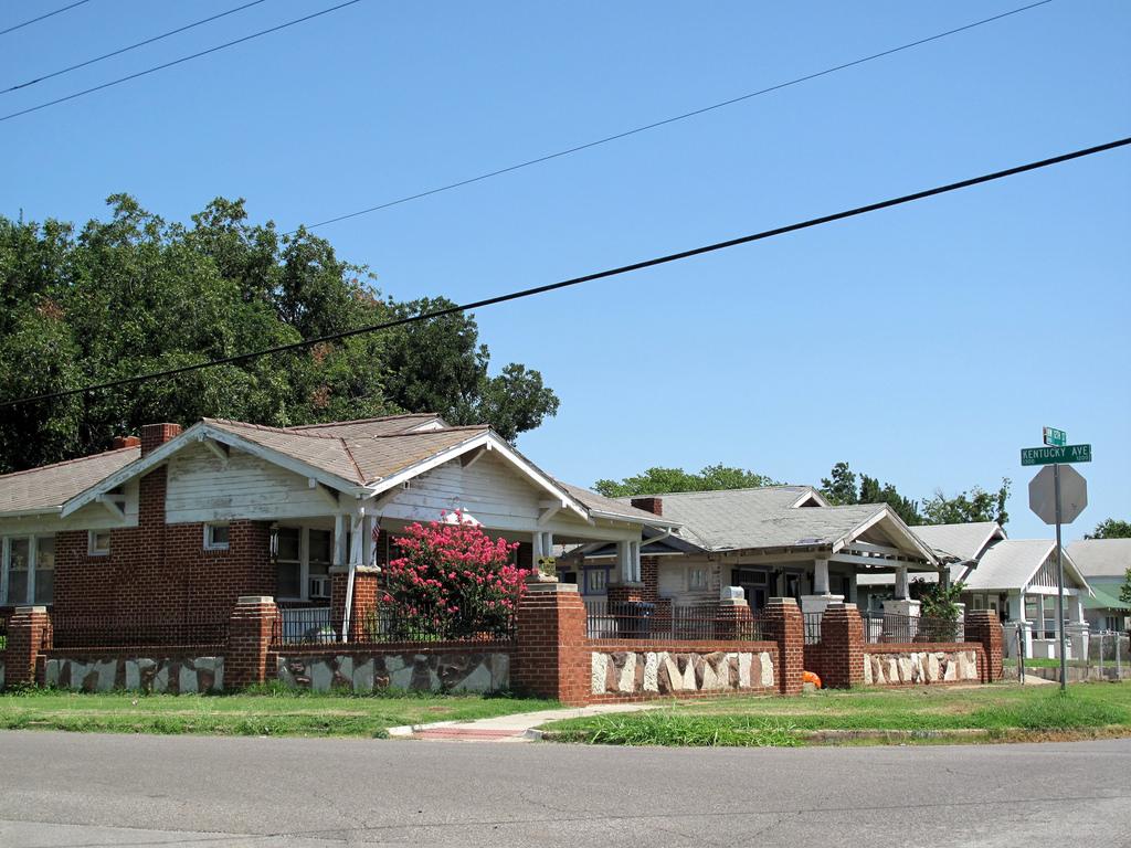 Oklahoma city neighborhood guide movoto for House builders in oklahoma