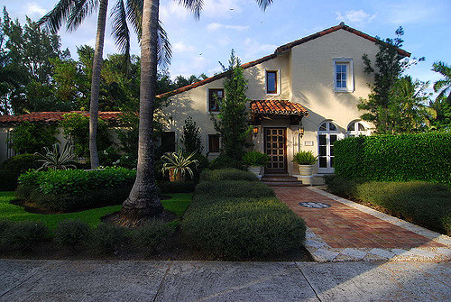 Aventura Homes for Sale: Miami Suburbs Real Estate Trends